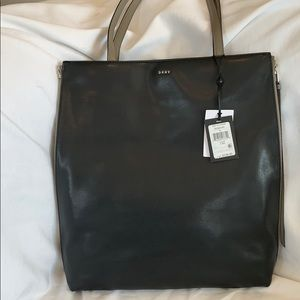 DKNY reversible Leather Medium Clay Tote